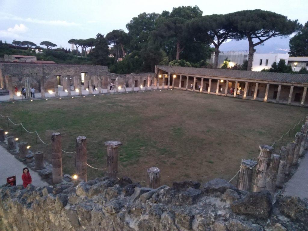 Quadriportico dei teatri  di Pompei